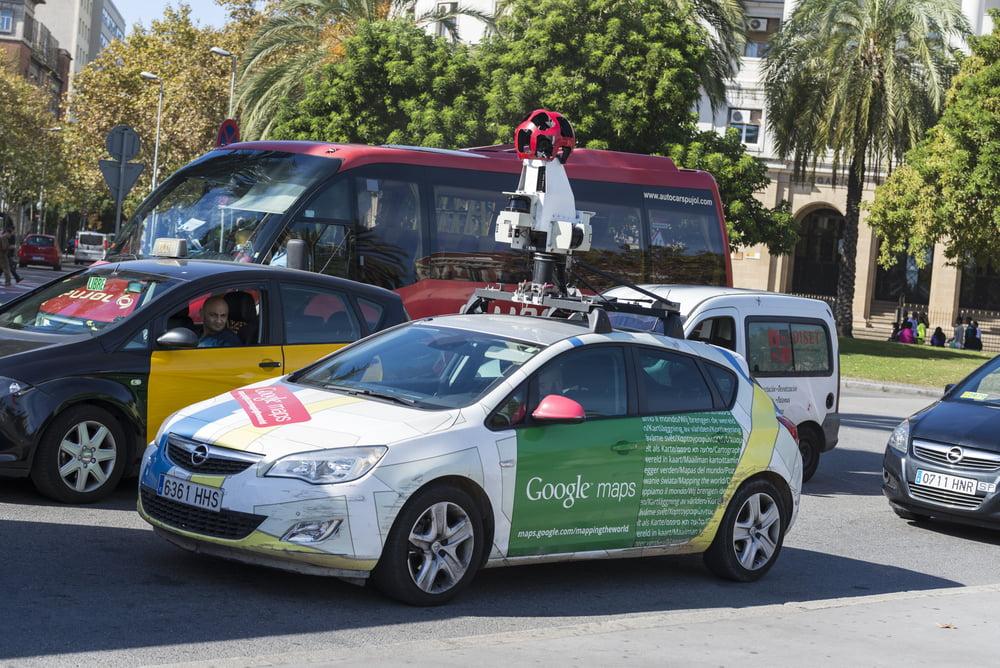 Carro utilizado para captar as imagens do Google Street View, com uma câmera especial, que consegue captar imagens em 360 graus | Google adiciona 77 cidades brasileiras ao Street View