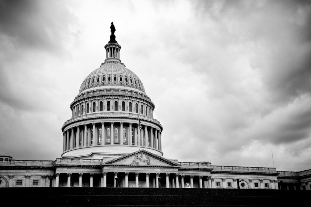 A Casa Branca, em preto e branco   Democratas incluem liberdade na Internet na plataforma política de Obama