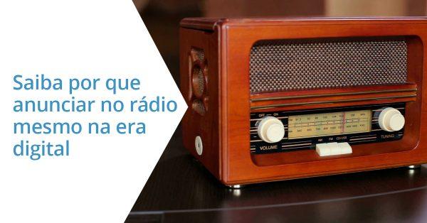 foto detalhe de rádio antigo | A publicidade no rádio morreu?
